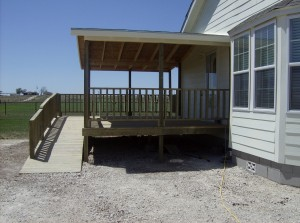Deck with ramp (5)